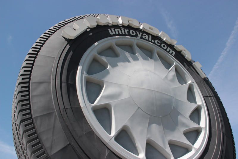 Not the biggest tire, but the biggest replica of a tire.