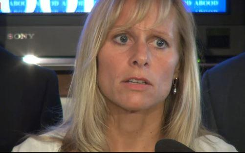 Cindy Gamrat speaking at an August 14, 2015 press conference.
