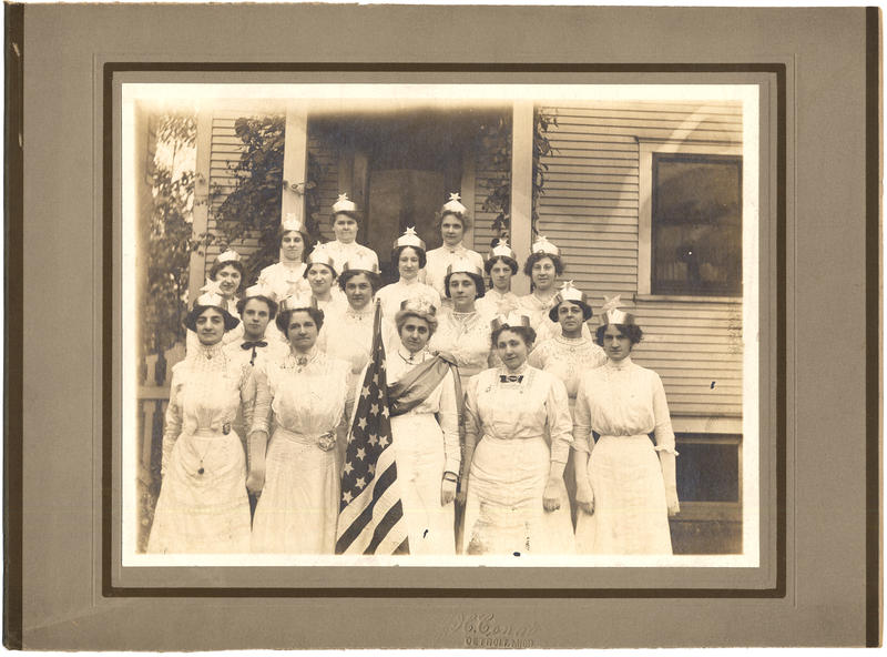 Members of the Eastern Star, the woman's auxiliary of the Masons, at 1115 Seyburn Street in Detroit in 1909