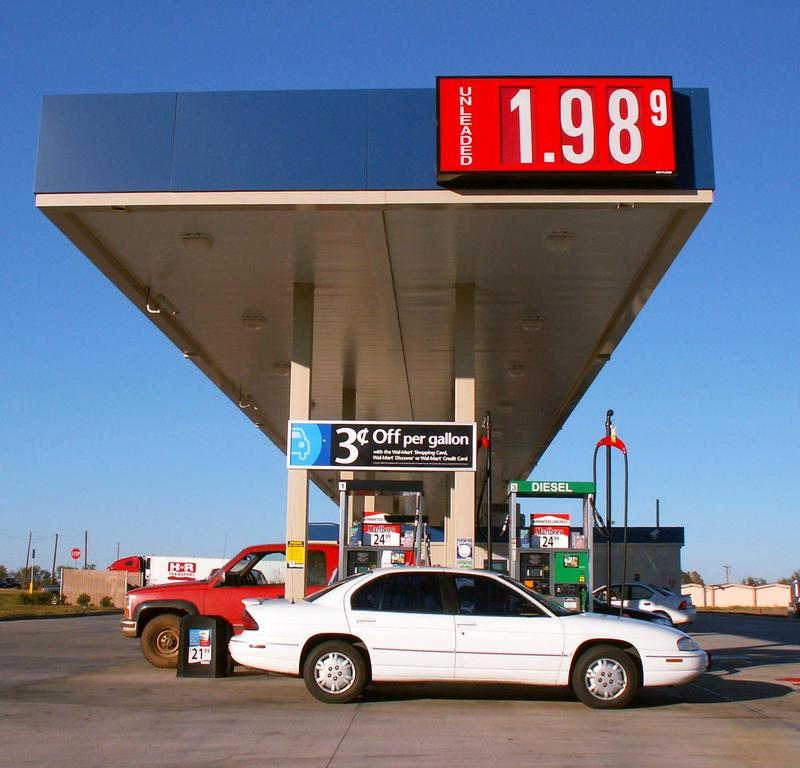 Michigan gas prices fall below $2 a gallon in time for the Thanksgiving holiday weekend.