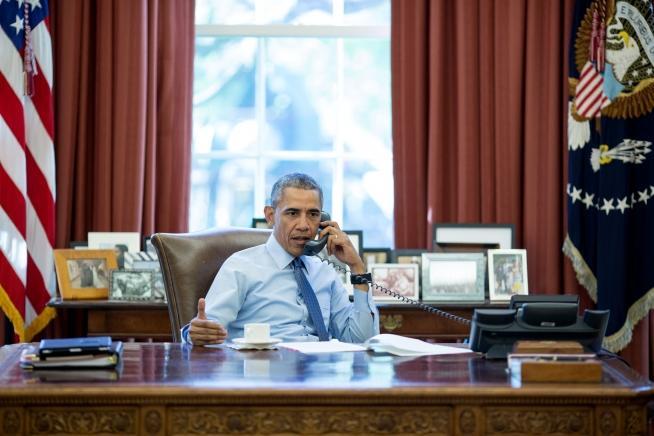 president obama in the oval office in april 2016 barack obama oval office
