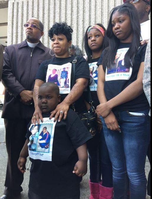 Relatives of Devontae Sanford advocate for his release in 2015.