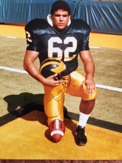 In 1989, Ramirez was a right guard for the Wolverines.