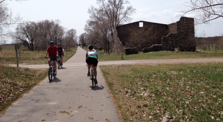 Insider tips on best bike routes in northern michigan michigan radio the leelanau trail is 17 miles and connects traverse city and suttons bay sciox Image collections