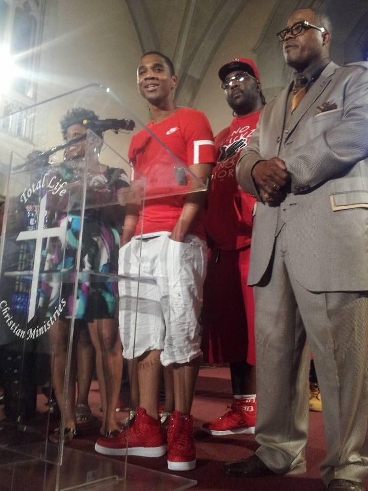 Davontae Sanford with family and supporters after his release.