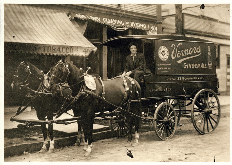 A Vernor's delivery man in 1909.