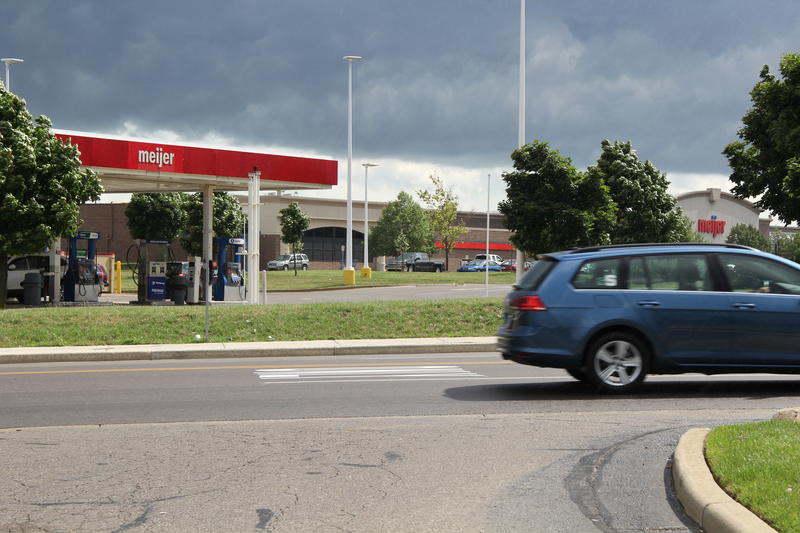 A new Michigan law allows grocery stores to apply for a secondary liquor license to sell beer and wine at gas stations at the same property.
