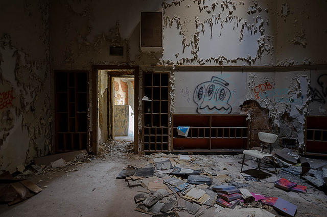 Room in an abandoned school in Detroit