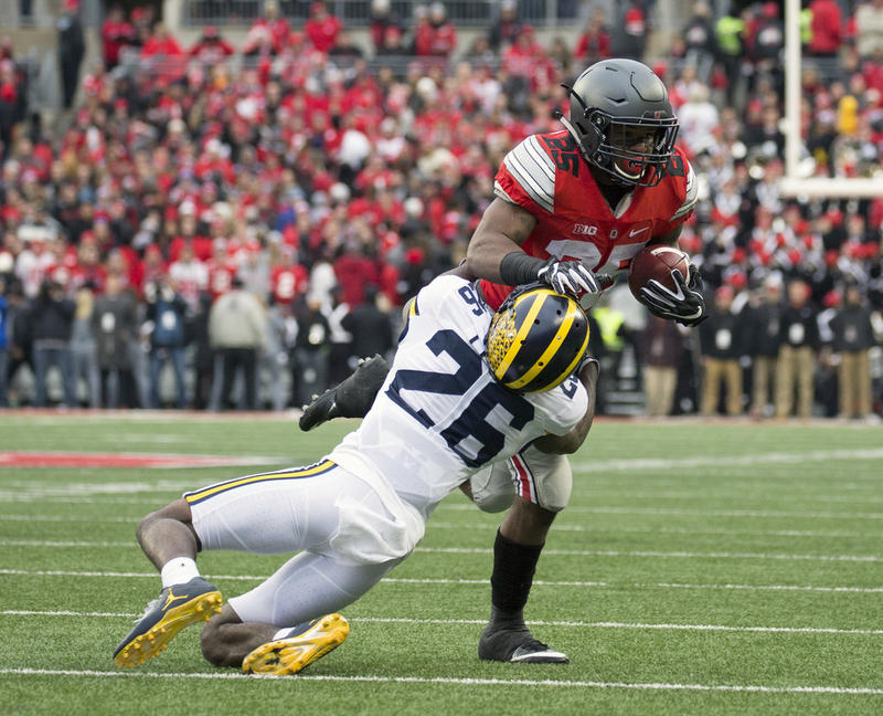 A play during the Michigan Ohio State game on Nov. 26, 2016.