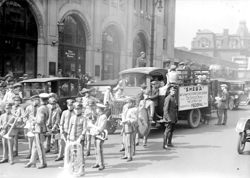 Sheba's arrival in Detroit & Belle Isle Zoo in 1923.