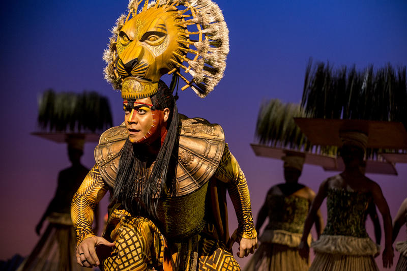 "Gerald Ramsey as ""Mufasa"" in THE LION KING North American Tour."