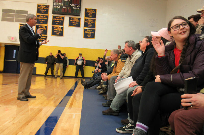 A few hundred people gathered in the Baldwin High School gym for Huizenga's town hall meeting on Saturday afternoon.
