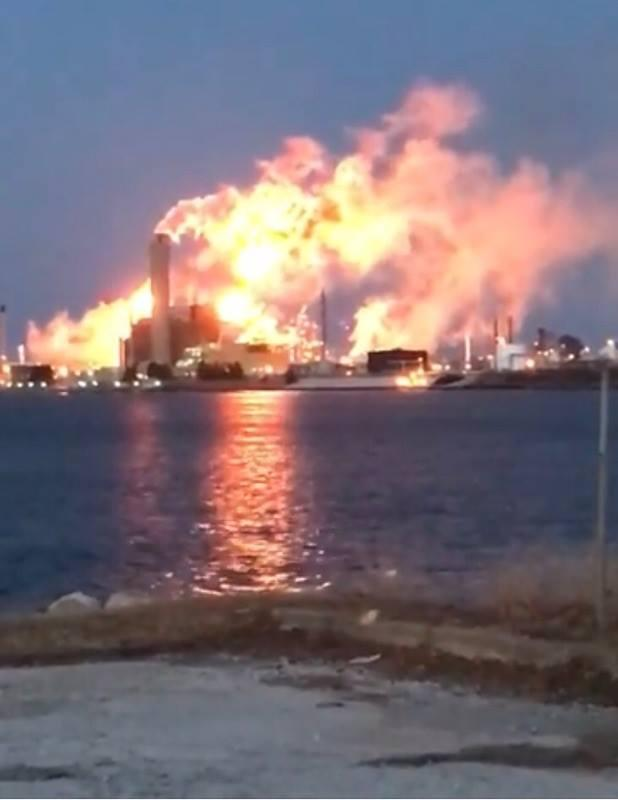 Flares reflected in steam made it appear Sarnia's Imperial Oil was on fire
