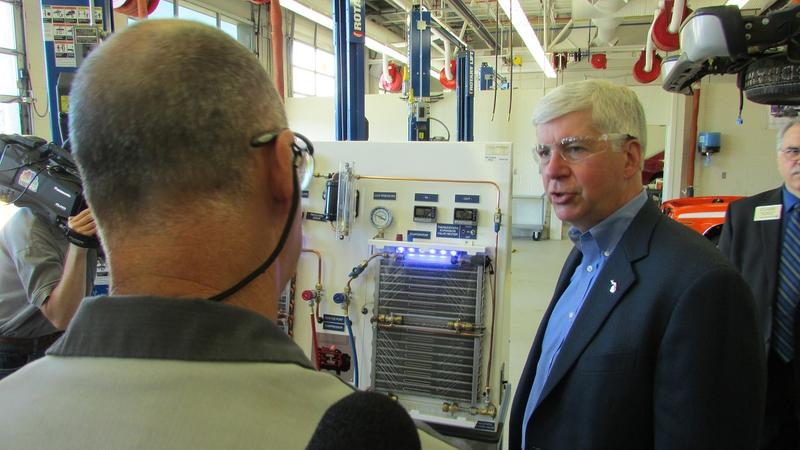 Deal called for Snyder to oppose labor bills - Michigan Radio