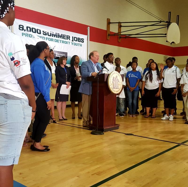 Mayor Mike Dugan talking about Grow Detroit's Yougn Talent program with city youth