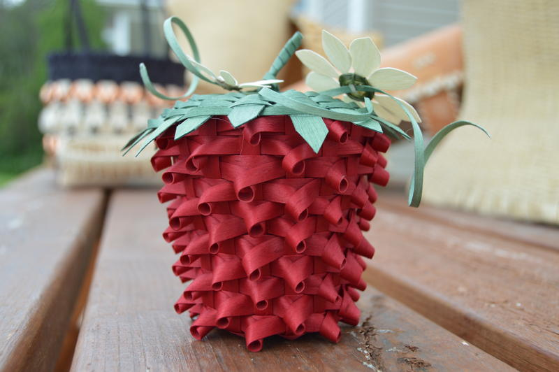 picture of basket in shape of strawberry