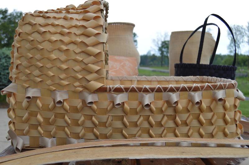 basket woven basinette