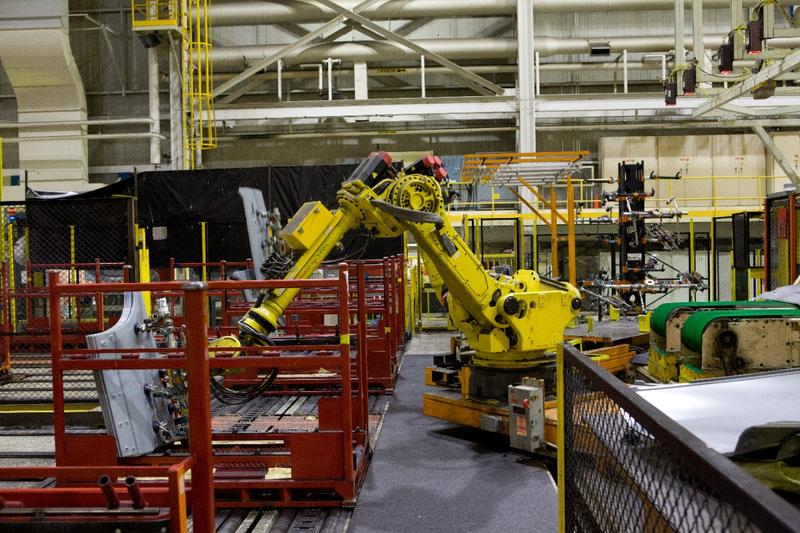 Robots at CAMI assembly plant