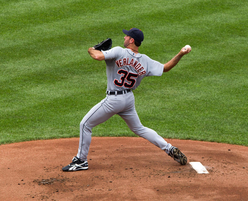 Justin Verlander winds up in his Tigers jersey