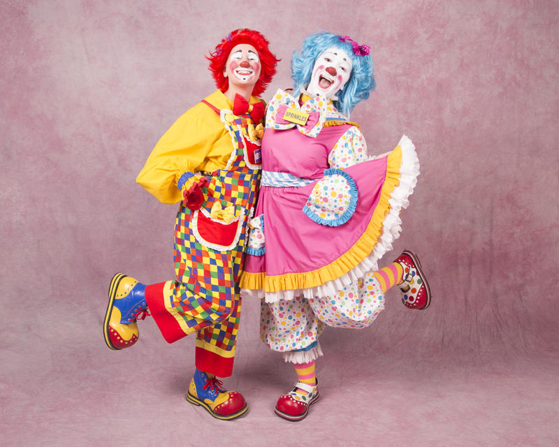 Mott Campus Clowns troupe fights bullying with a comedy show