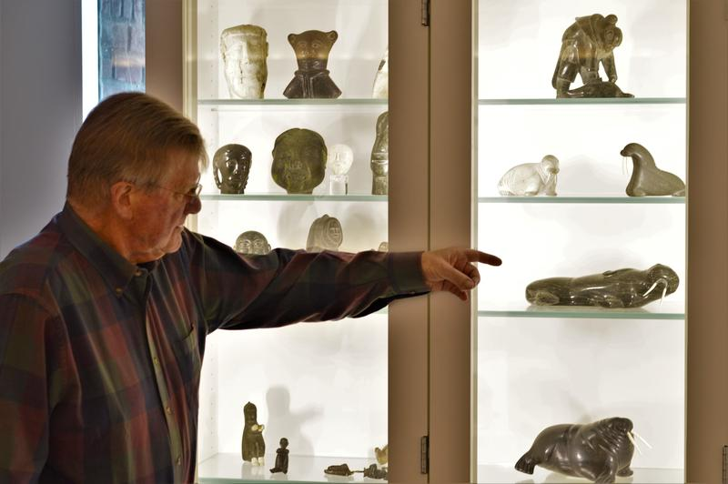 Phil Power explaining the signifcance of some of the Inuit carvings.