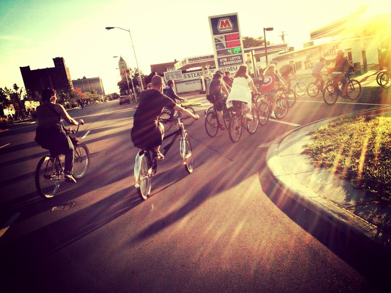 group bikeride in Detroit