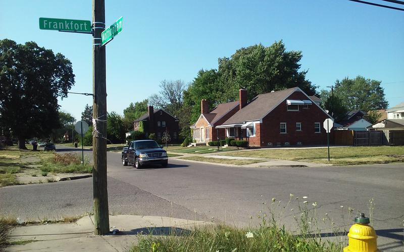 4-way stop that's rarely observed at the Frankfort Street and Nottingham Road intersection