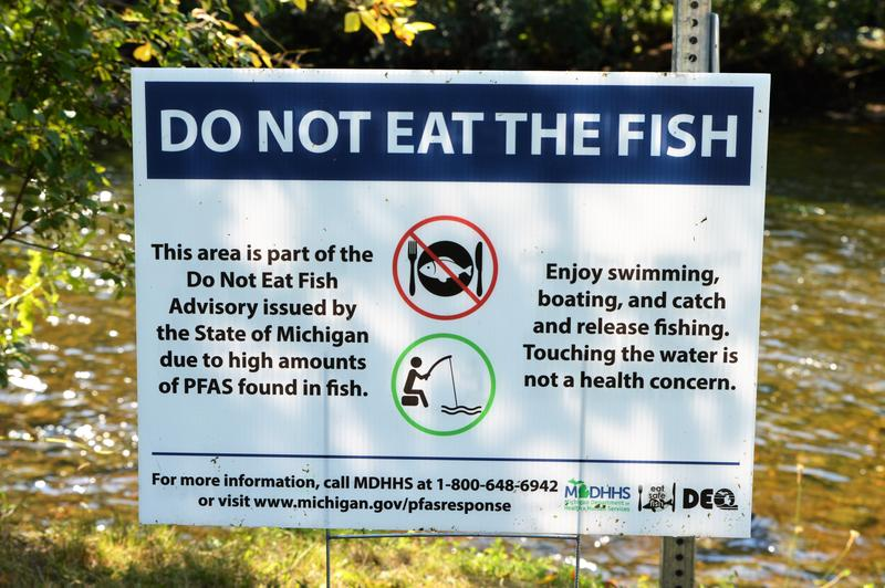 Do not eat the fish because of pfas sign