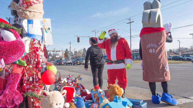 Jimmy Izbinski, Santa at the Toledo Christmas Weed.
