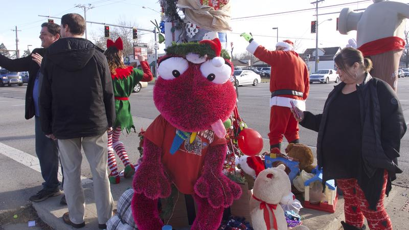 Onlookers and livestreamers have flocked to the Toledo Christmas Weed.