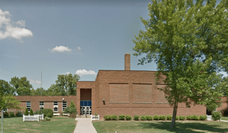 picture of Eastlawn Elementary School.