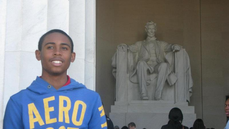 De Quan O'Neal at the Lincoln Memorial