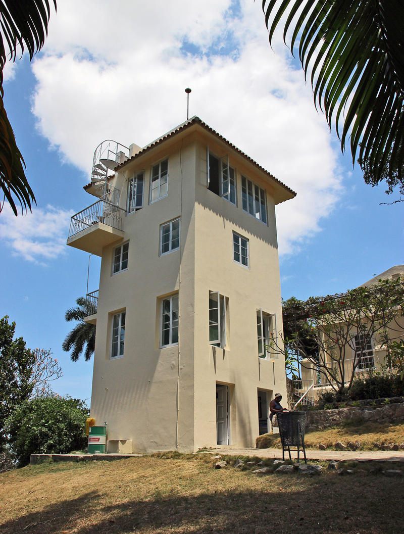 When Mary Welsh (Hemingway's third wife) came to Finca Vigía in 1946, she had a writer's workshop tower constructed on the property. Hemingway preferred to work in his bedroom standing up, and the tower was eventually assigned to the cats.