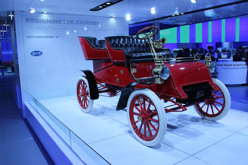An older model Ford. A 1903 Ford Model A.