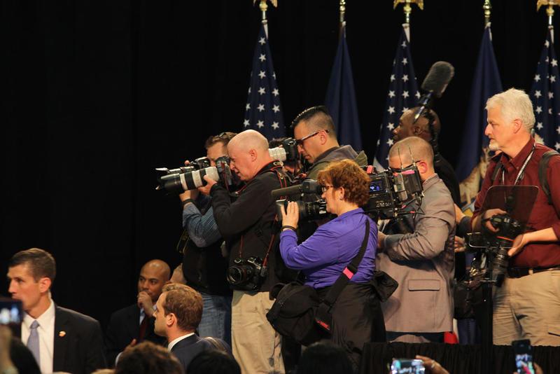 Photographers train their lenses on the President.