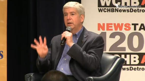 Gov. Snyder answering questions from the audience at a town hall meeting at Wayne County Community College in Detroit.