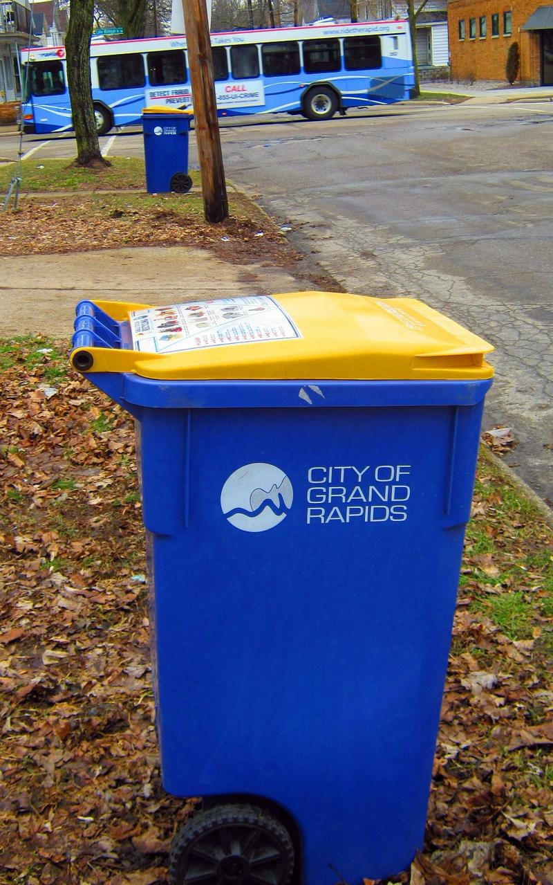 Recyclign bin in Grand Rapids