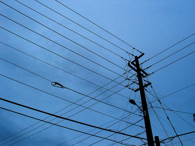 Power outage numbers continue to rise from wind
