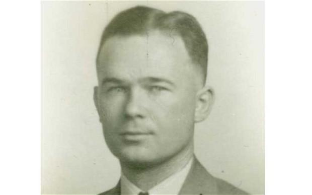 Walter Walsh was the last survivng member of the FBI team that took down gangster Al Brady in a shootout in Bangor in 1937. Walsh died April 29 at the age of 107.