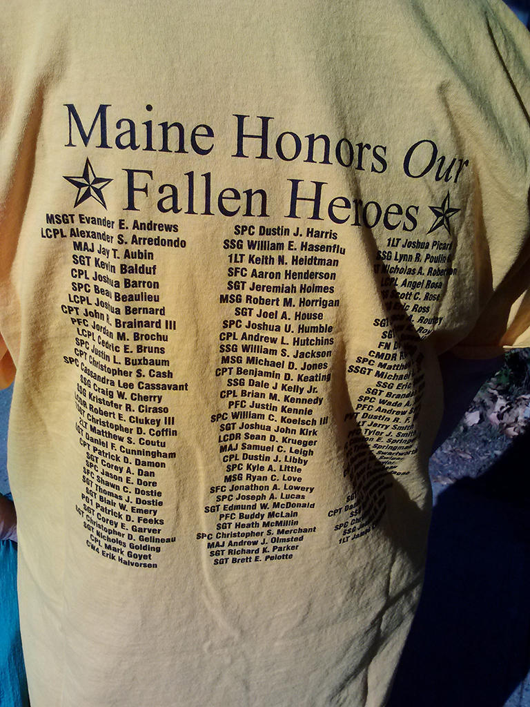 Priscilla Daniel s Run for the Fallen T-shirt bears the names of those who have  died in the nation s recent wars. af034c920