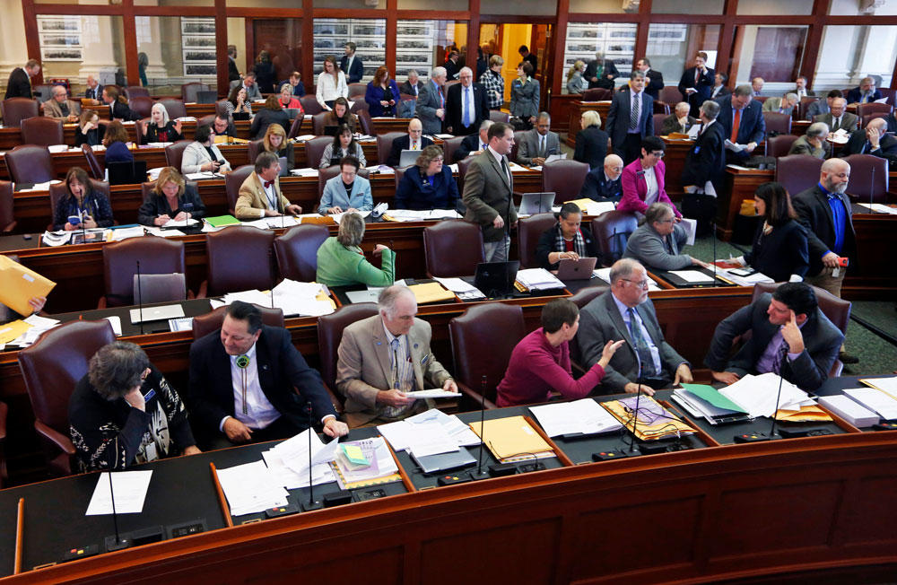 Lawmakers expected to stay in Augusta for an extra week