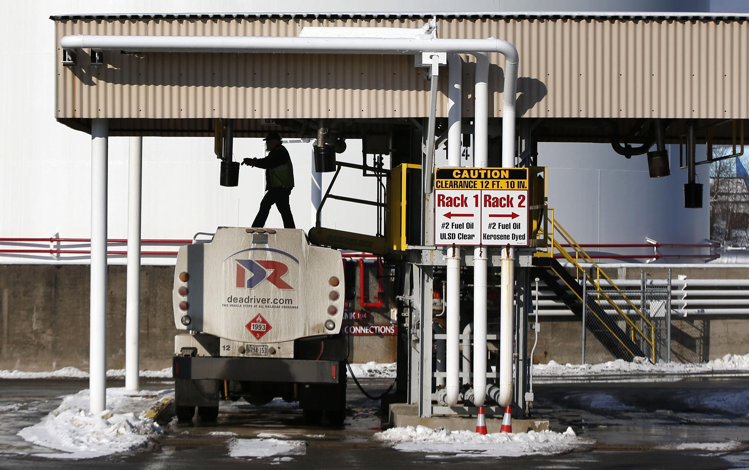 maine oil companies struggle to meet demand as nor'easter looms