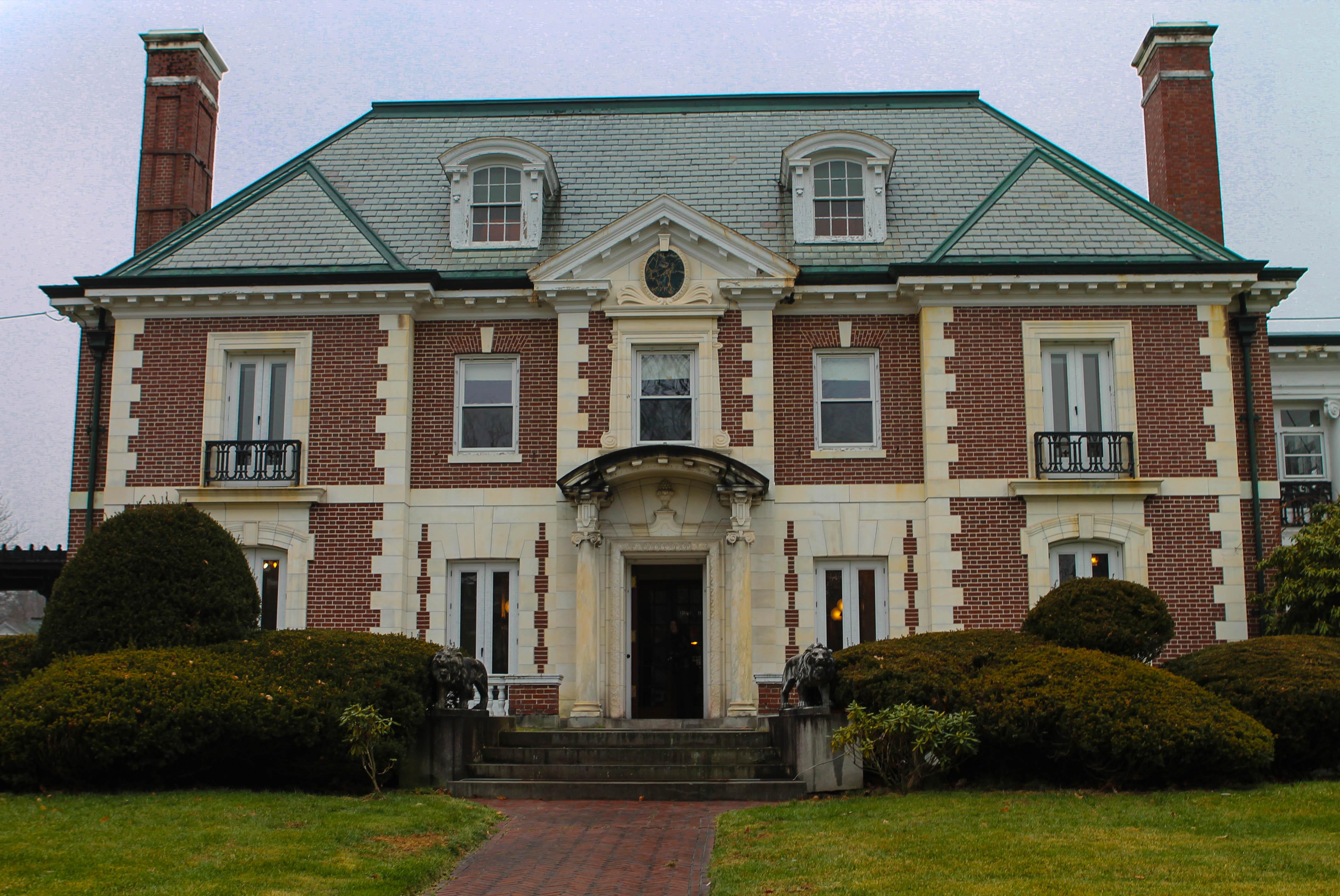 Nashua 39 s historic mansion sold new hampshire public radio for Antebellum homes