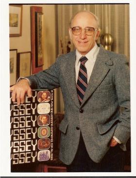 Ralph Baer, 1972, next to the Magnavox Odyssey.