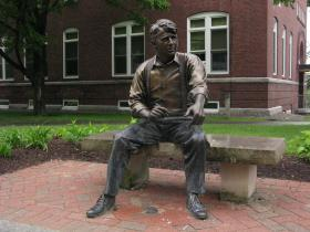 Statue of Robert Frost on the campus of Plymouth State University