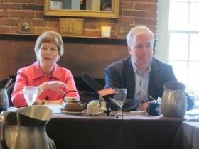 Senator Shaheen and Brand USA's Mike Fullerton take questions from tourism industry leaders at The Common Man in Portsmouth.