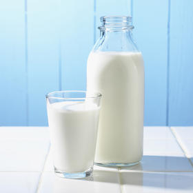 A drop in dairy prices is likely to continue through much of the year, says Agri-Mark's Robert Wellington.