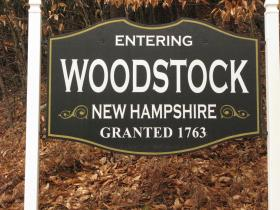 Sign welcoming you to Woodstock