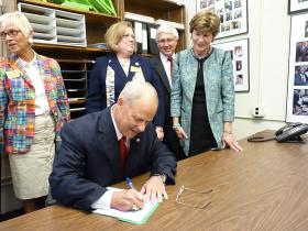 Walt Havenstein filed paperwork Wednesday launching his candidacy for governor of New Hampshire.