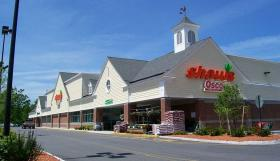 Market Basket customers are responding to protests by shopping at competing supermarkets
